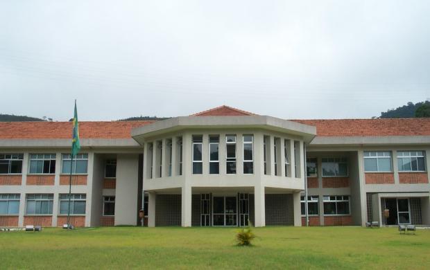 fachada LNCC.jpg (27 KB)
